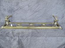 VICTORIAN POLISHED BRASS FIREPLACE FENDER. 40.5