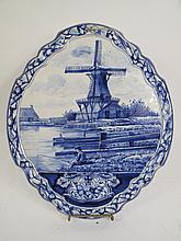 DUTCH DELFT SCENIC PLAQUE. With traditional design