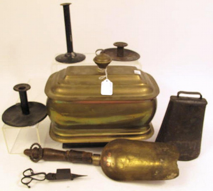LOT OF METALWARE. Consisting of a brass boiler,