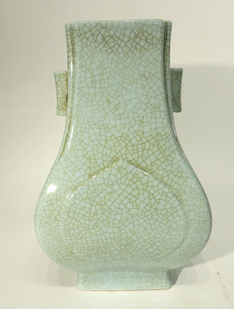 QIAN LONG MARKED GE YOA STYLE HU FORM VASE