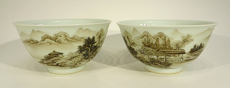PAIR OF CHINESE YONG ZHENG PORCELAIN BOWLS