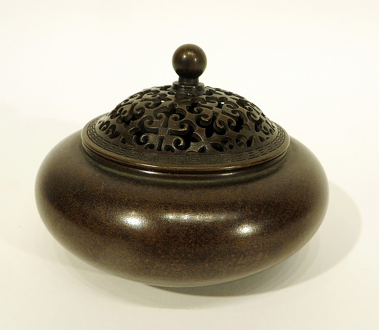 CHINESE XUAN DE BRONZE CENSER