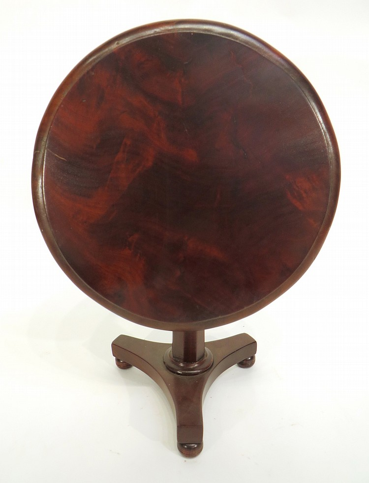 MINIATURE TILT TOP TABLE.