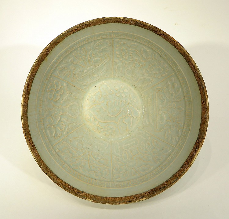 ANTIQUE CHINESE DING WARE BOWL