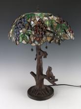TIFFANY STYLE RESIN BIRD LAMP