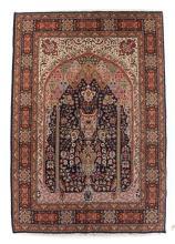 Fine Persian Tabriz rug, approx. 4.11 x 6.9