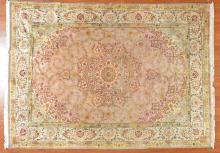 Fine Persian Tabriz rug, approx. 7.9 x 10.10