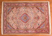 Josan Sarouk rug, approx. 3.5 x 5