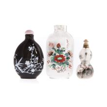 Three Chinese glass snuff bottles