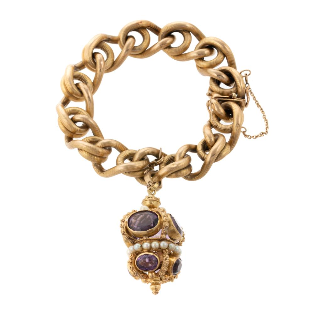A Ribbed Link Bracelet with Amethyst Charm in 18K