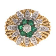 A Lady's Emerald & Diamond Ring in 18K Gold