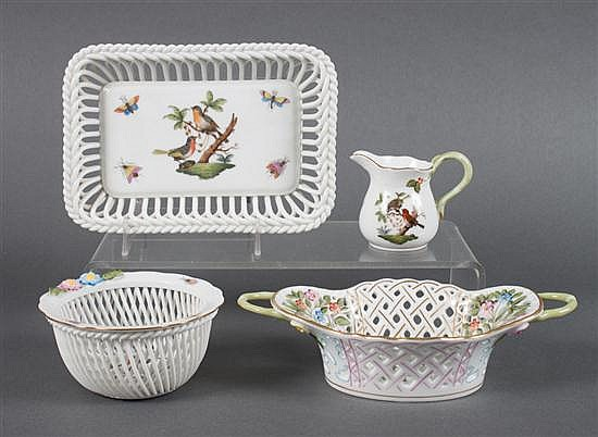 Four Herend porcelain articles in the