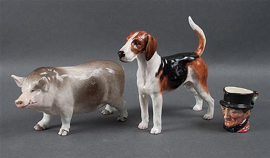 Royal Doulton china beagle figure, miniature character jug