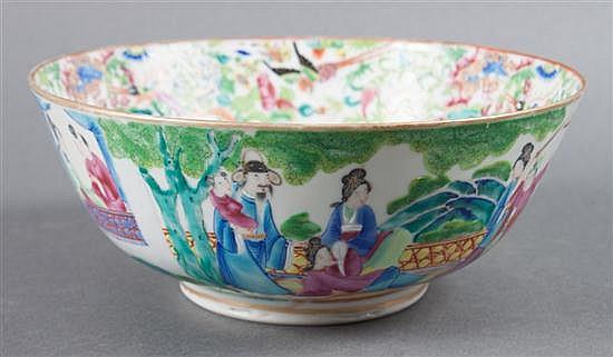 Chinese Export Rose Mandarin porcelain bowl