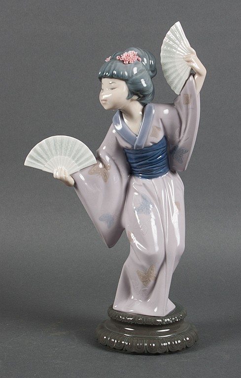 Lladro porcelain figure of a dancing Geisha with two fans