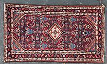 Semi-antique Hamadan rug, approx. 2.4 x 5.2