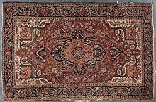 Semi-antique Herez rug, approx. 6 x 9