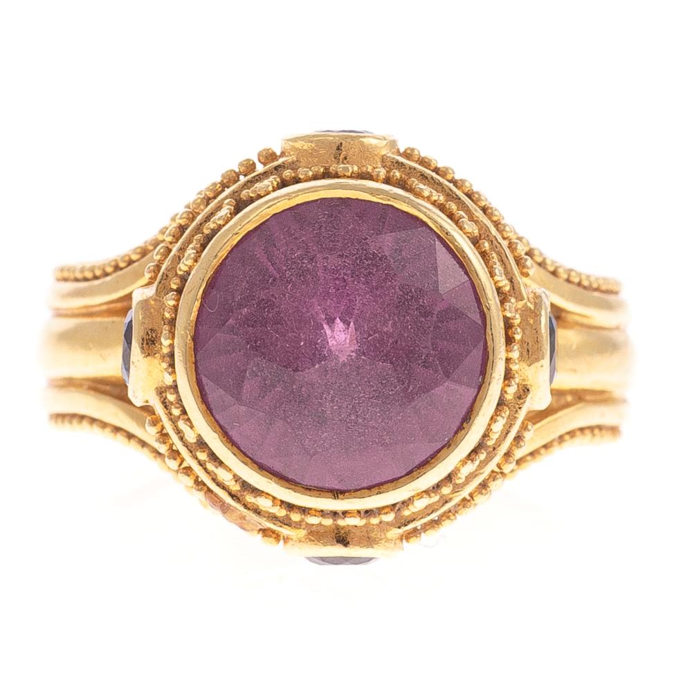 A Ladies Color Change Rhodolite Ring in 18K Gold