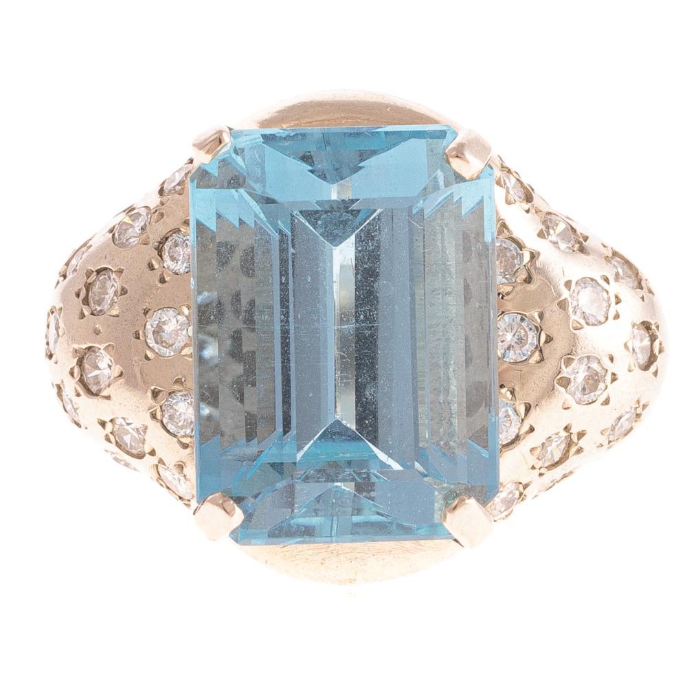 A Ladies Aquamarine & Diamond Ring in 14K