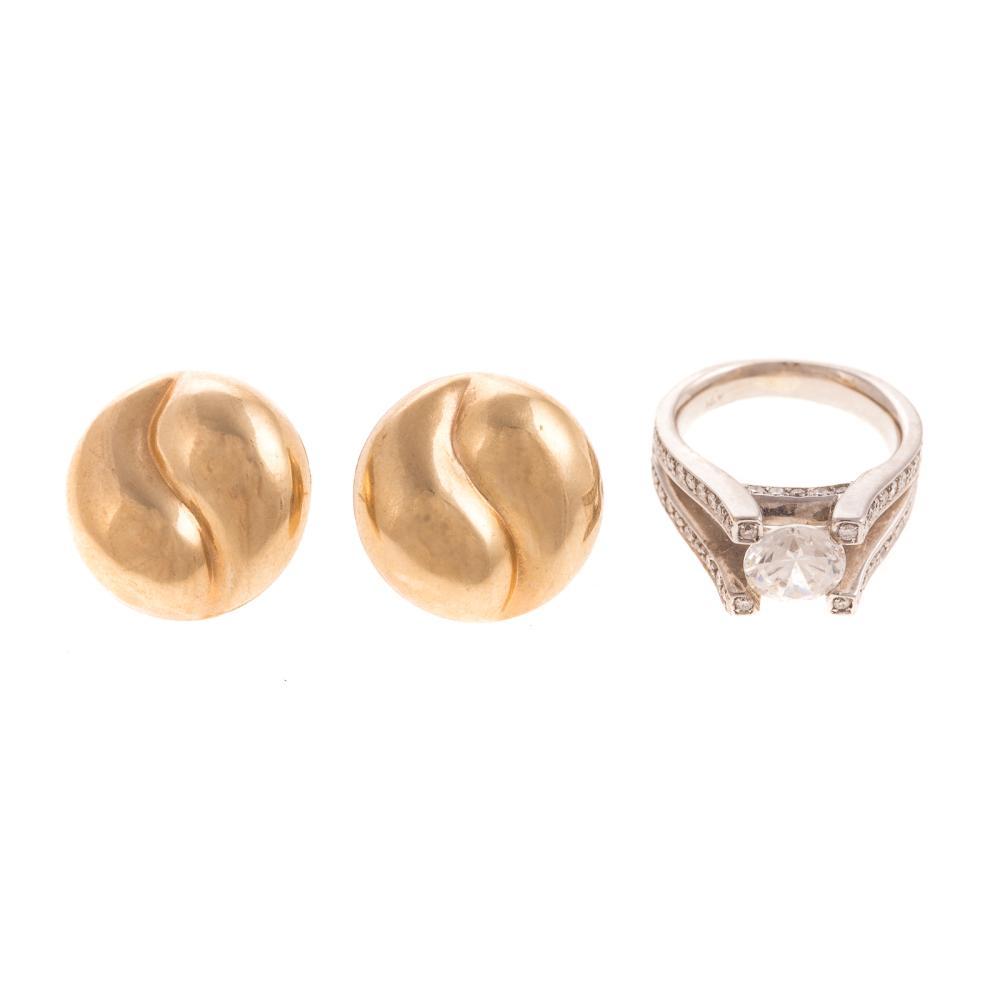 A Ladies Diamond Ring & Earrings in 14K Gold