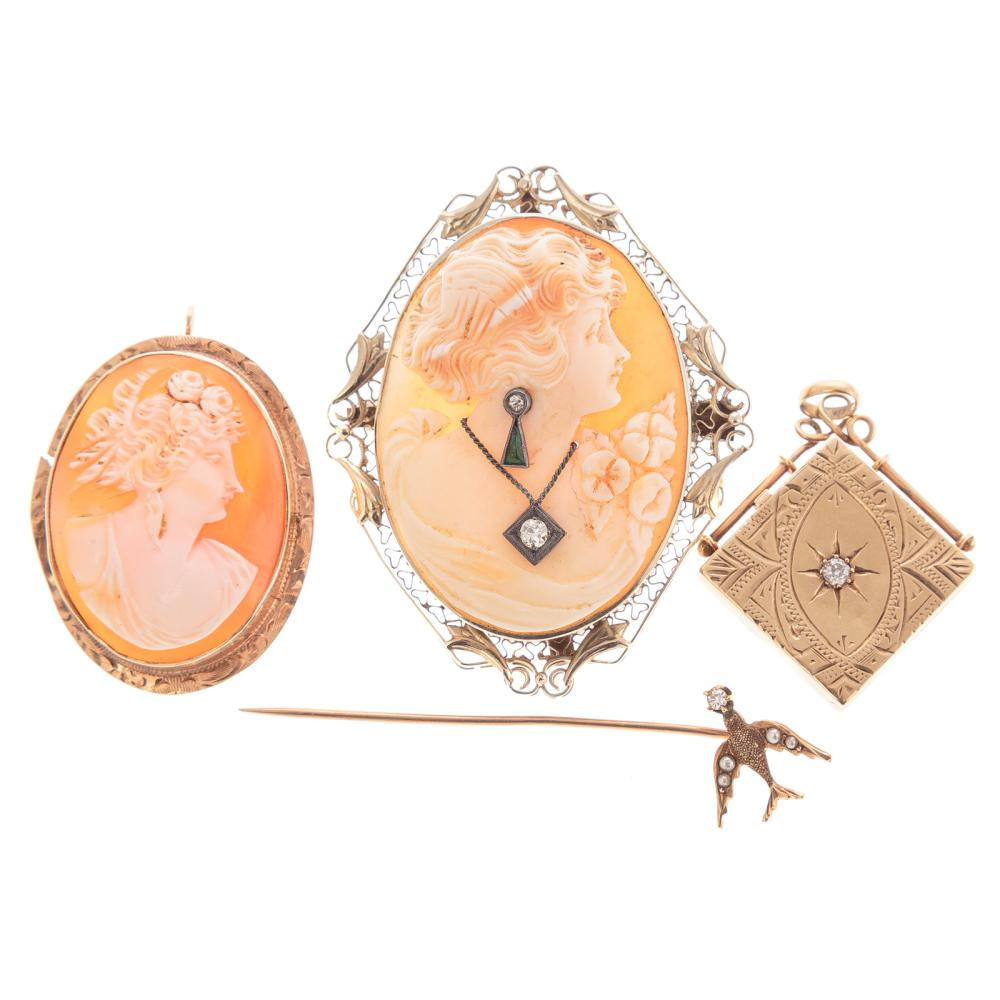 A Collection of Vintage Jewelry in Gold