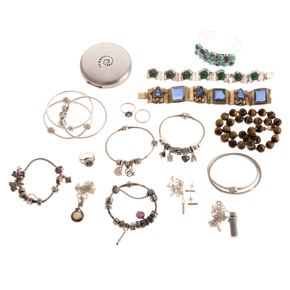 A Bag of Silver Chamilla & Pandora Jewelry