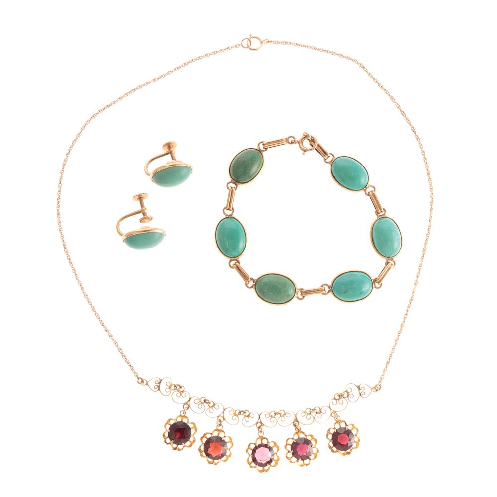 A Garnet Necklace & Turquoise Set in 14K Gold