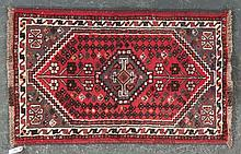 Persian Shiraz rug, approx. 2.7 x 4.2