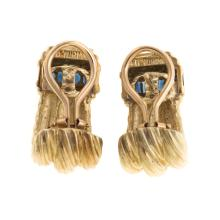 Lot 106: A Pair of D. Yurman Earrings with Sapphires in 18K