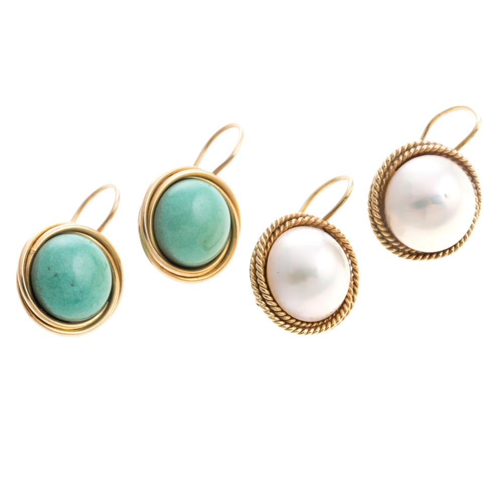 Lot 116: A Pair of Turquoise and Mabe Pearl Earrings in 18K