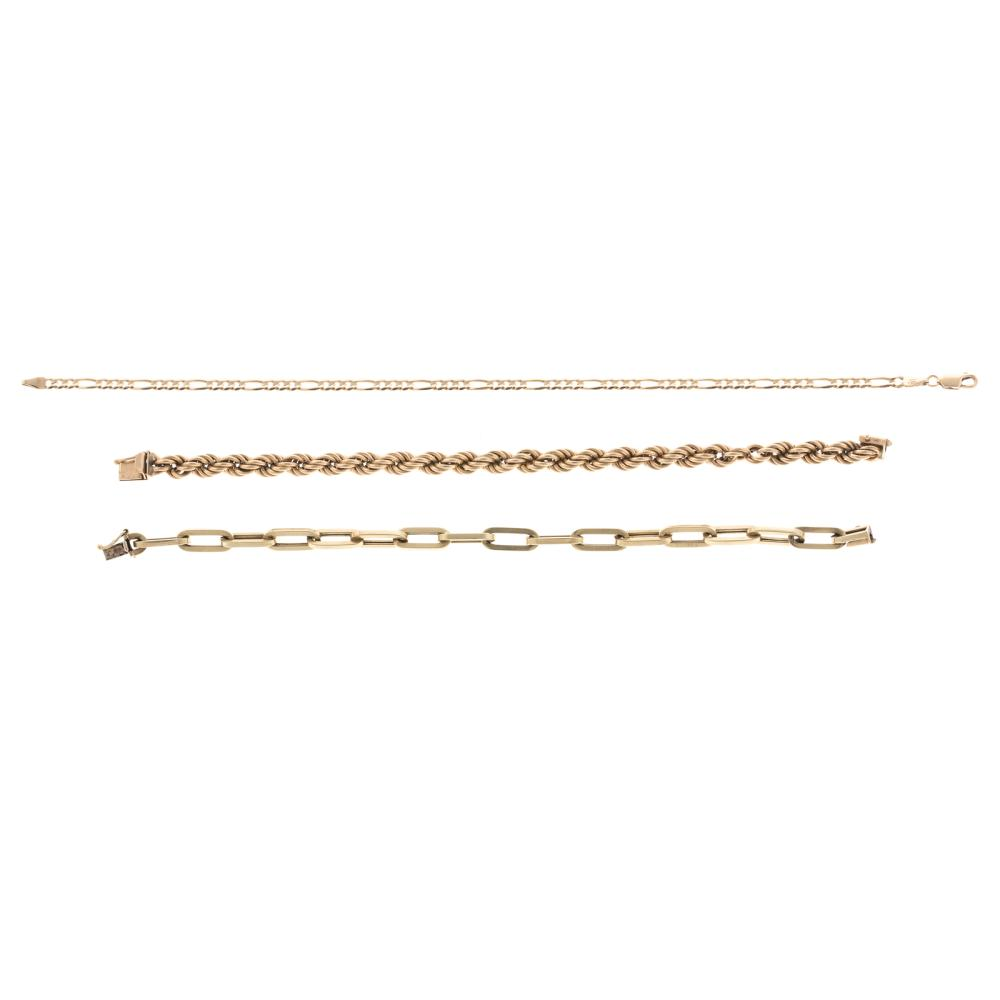 Lot 118: A Pair of Chain Bracelets & Anklet Gold