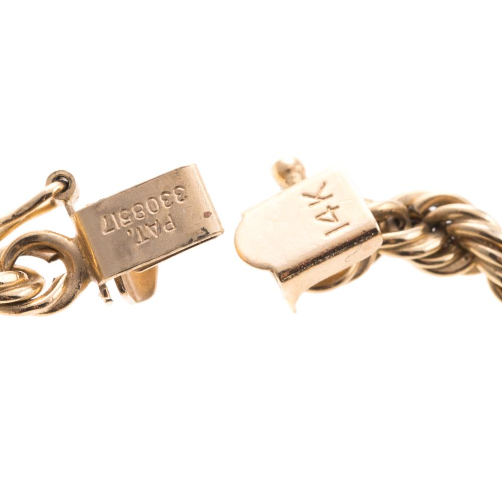 Lot 120: A Ladies Long Rope Chain in 14K Gold
