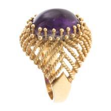 Lot 150: A Ladies Retro 18K Cabochon Amethyst Ring