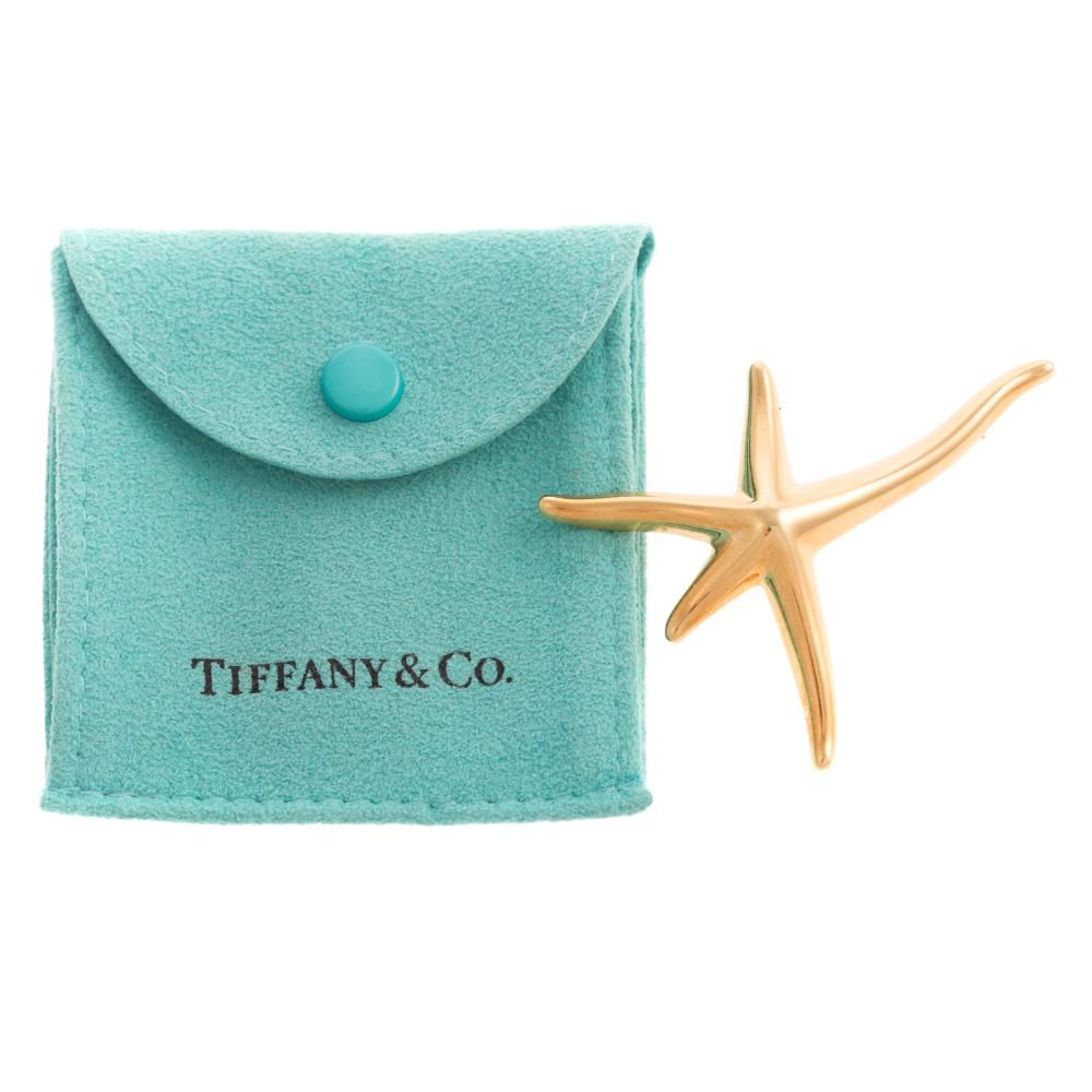 A Ladies Tiffany & Co Starfish Pin in 18K