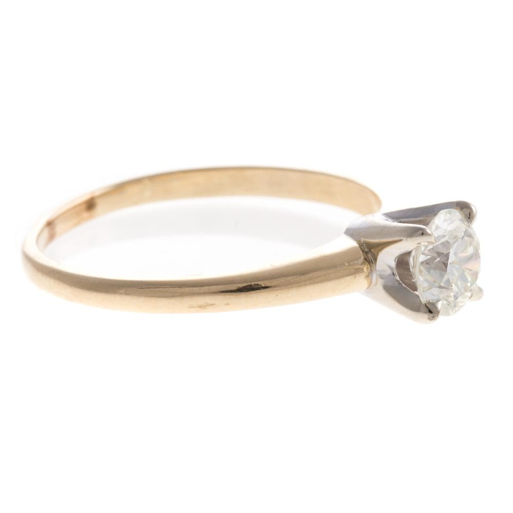 Lot 186: A Ladies Vintage Diamond Engagement Ring in 14K