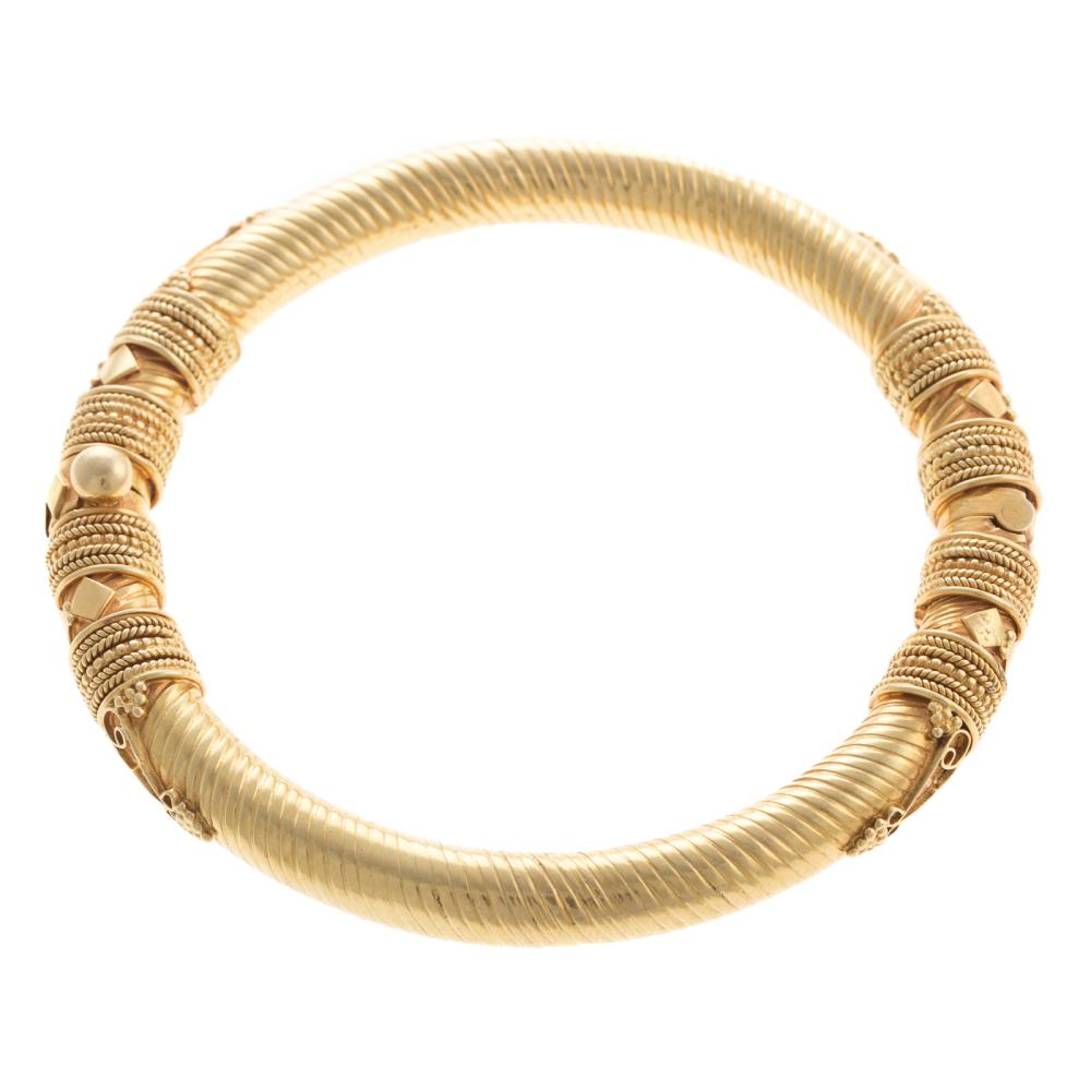 A Ladies 22K Yellow Gold Indian Bangle Bracelet