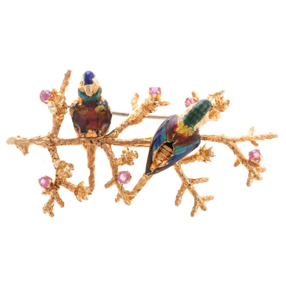 A Ladies Vintage Enamel Brooch with Birds in 18K