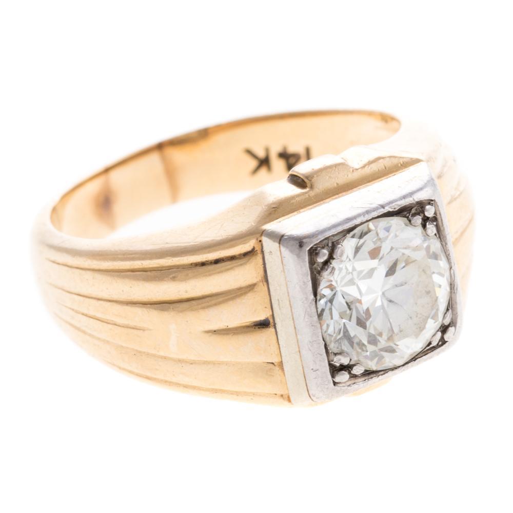 Lot 275: A Gentleman's Diamond Ring in 14K Gold