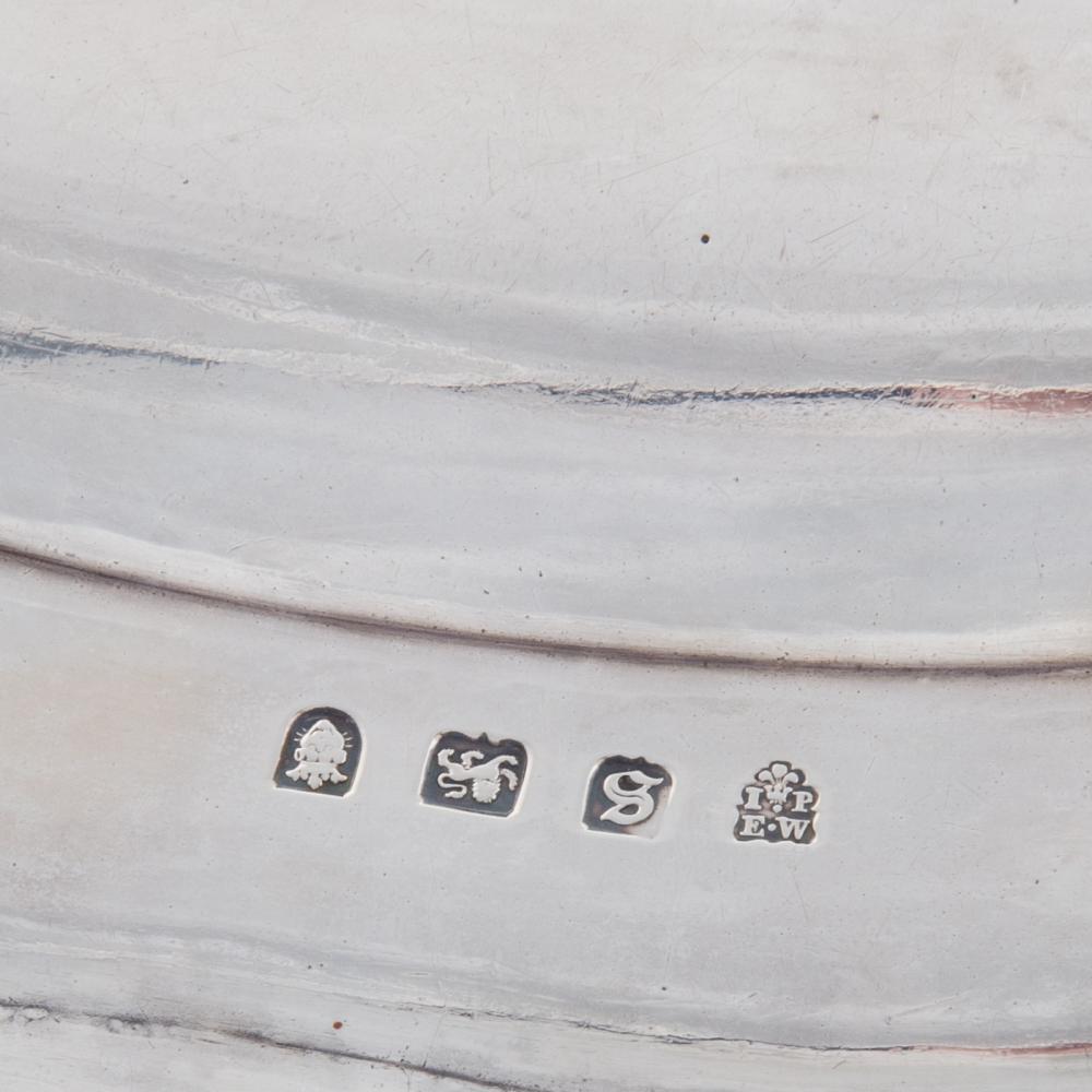 Lot 461: George III Silver Meat Platter