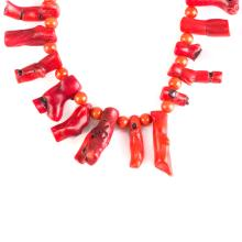 A Lady's Coral Beaded Necklace