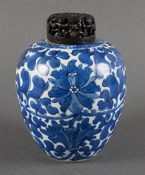 Chinese blue and white porcelain ginger jar, Kang Xi