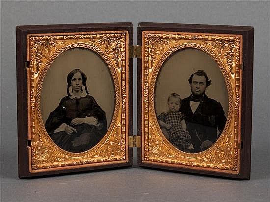 [Photography] Half plate thermoplastic Union case with two ambrotype portraits