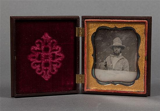 [Photography] Thermoplastic Union case and daguerreotype portrait