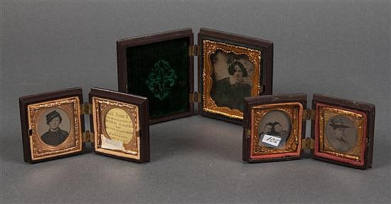 [Photography] Three small union cases with photographs