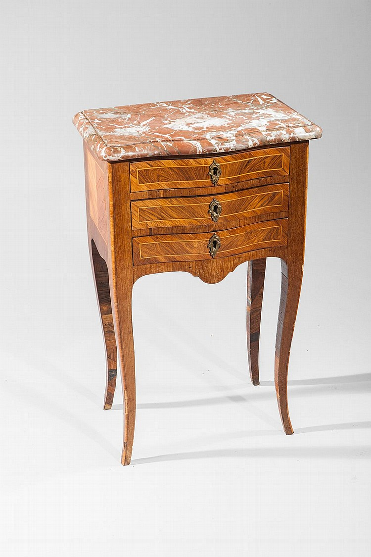 Petite table de milieu en placage de bois de rose et palissa