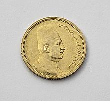FUAD (1917-1936). 100 piastres. 1922. (Fr. 27/28). Or. 8,51 g. Tres Beau