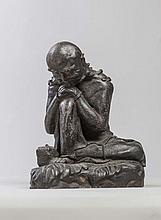 Lohan couvert d'une étoffe assis sur un rocher ,