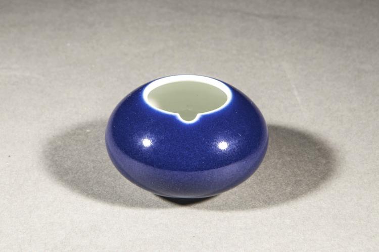 coupelle de lettr u00e9 de forme oblongue  u00e0 verseur en porcelaine