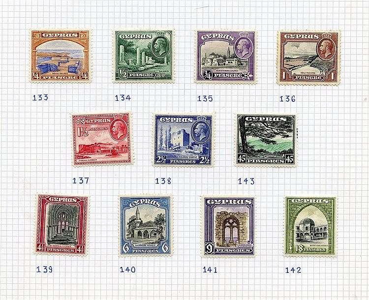 1924-49 M collection on leaves incl. 1934 Pictorial set (odd tone