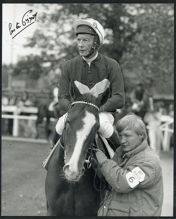 HORSE RACING range of black & white or colour photographs of famo